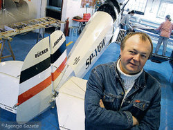 07.04.2004 KARASIEWICZ REPLIKI JUNGMANOW FOTO. PAWEL SOWA/ AGENCJA GAZETA